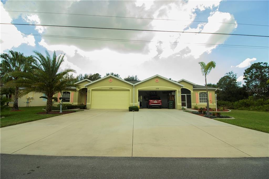 Villa for sale at 1374 Hedgewood Cir, North Port, FL 34288 - MLS Number is D5921687