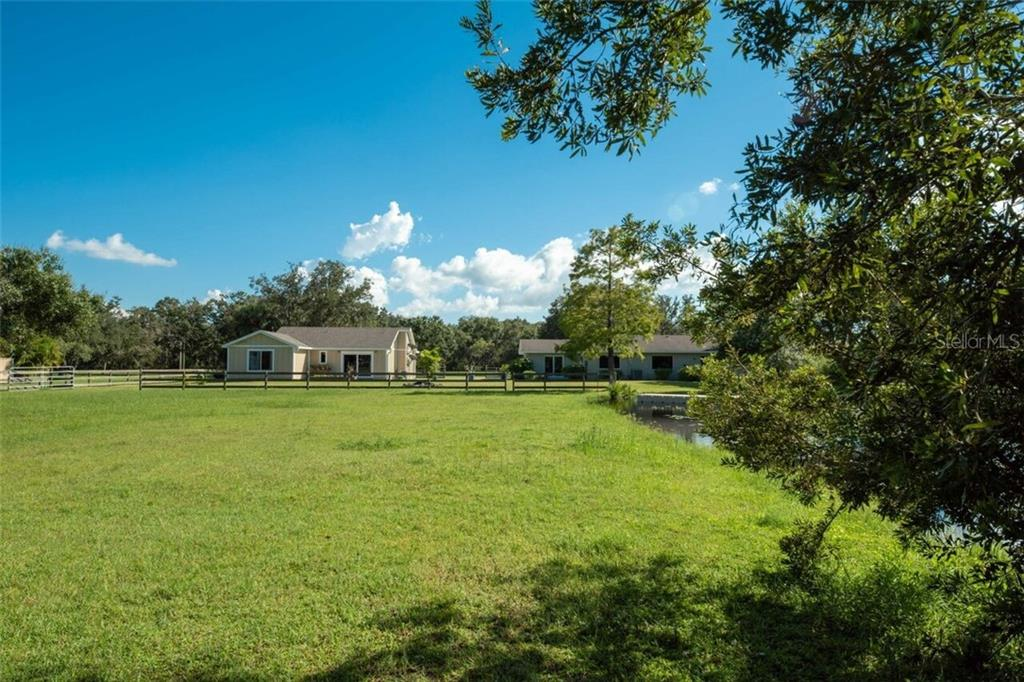Single Family Home for sale at 7339 Hawkins Rd, Sarasota, FL 34241 - MLS Number is D6102762