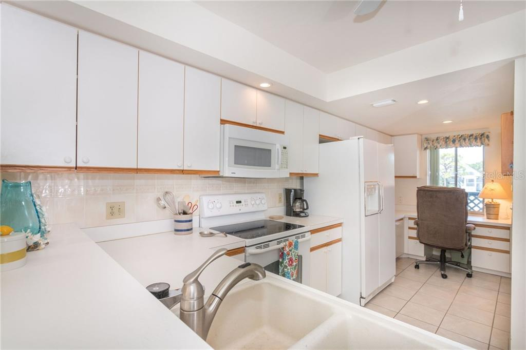 Kitchen - Condo for sale at 6800 Placida Rd #271, Englewood, FL 34224 - MLS Number is D6106459