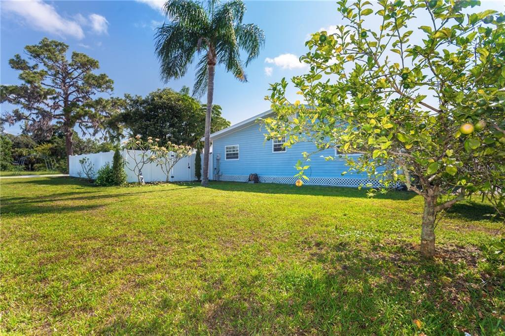 Extra large corner lot - Single Family Home for sale at 190 W Wentworth St, Englewood, FL 34223 - MLS Number is D6106918