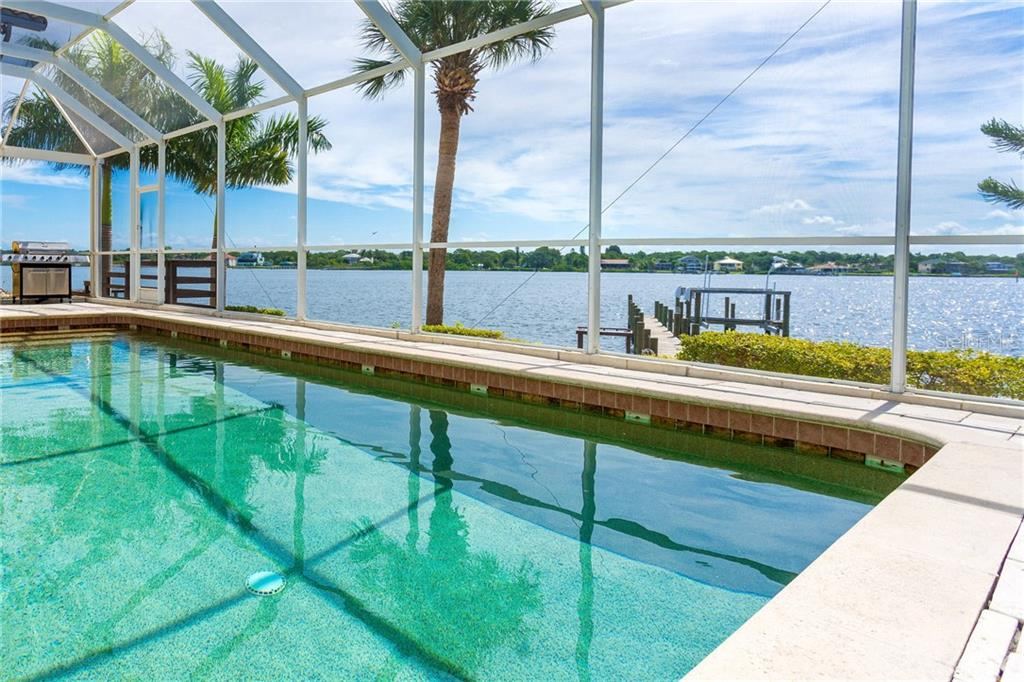 Single Family Home for sale at 8035 Manasota Key Rd, Englewood, FL 34223 - MLS Number is D6107438