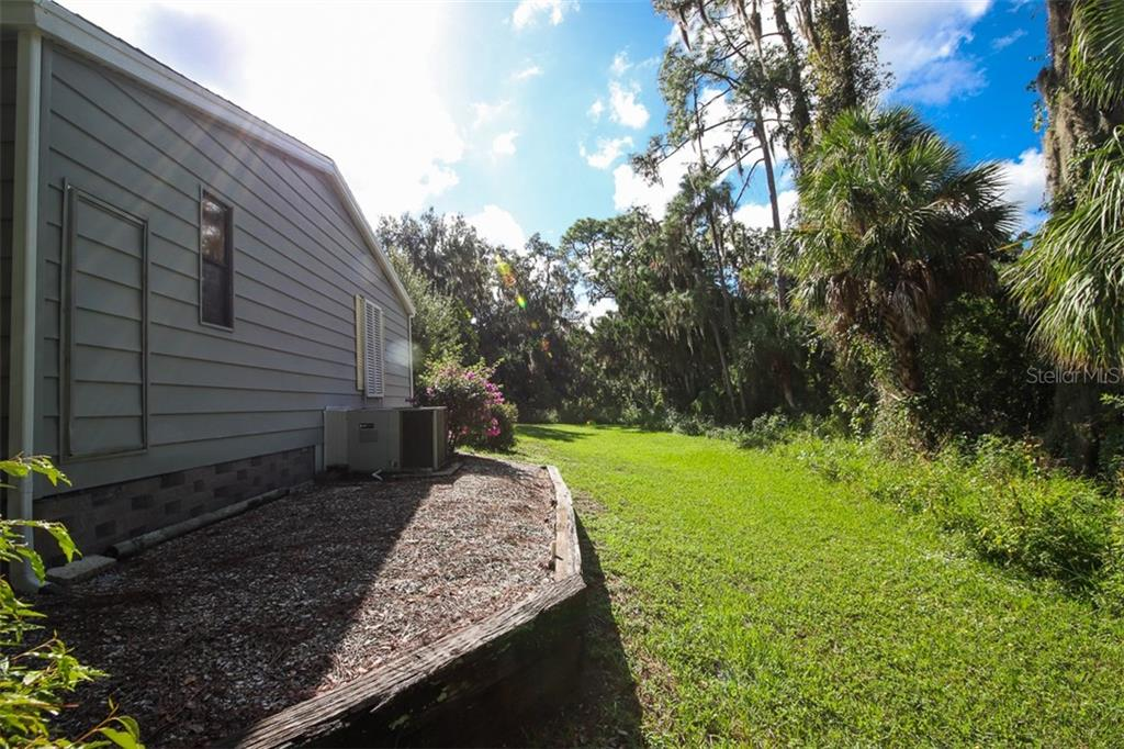 Manufactured Home for sale at 818 Manchester Ct, Englewood, FL 34223 - MLS Number is D6109388