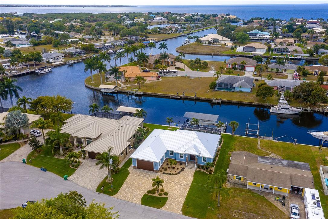 Just seconds out to big water with no bridges - Single Family Home for sale at 145 Leland St Se, Port Charlotte, FL 33952 - MLS Number is D6117438