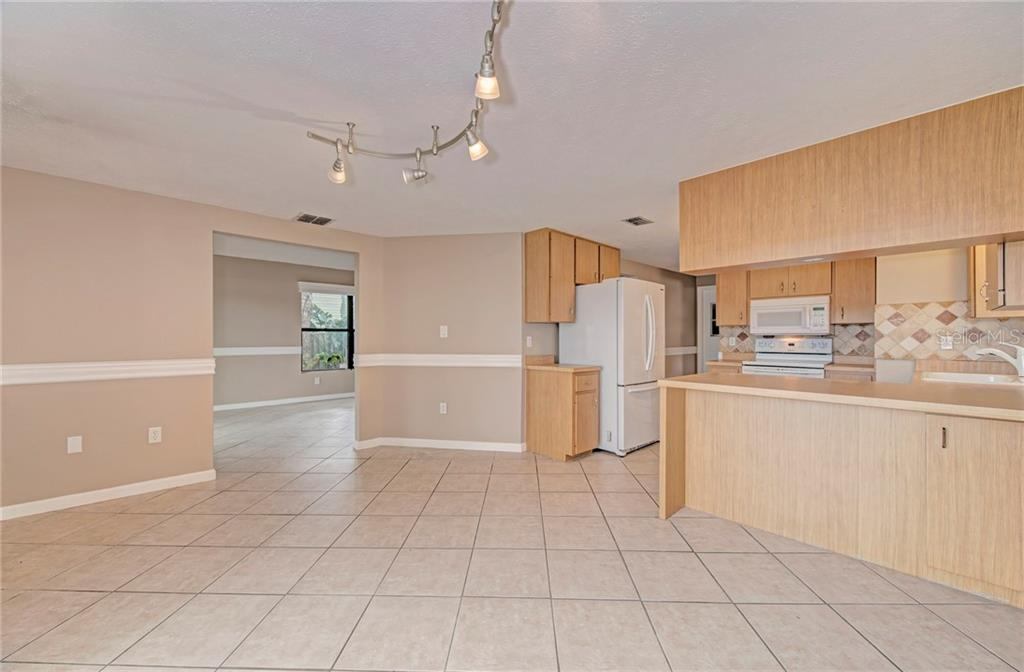 Single Family Home for sale at 5121 Birch Ave, Sarasota, FL 34233 - MLS Number is T3113695
