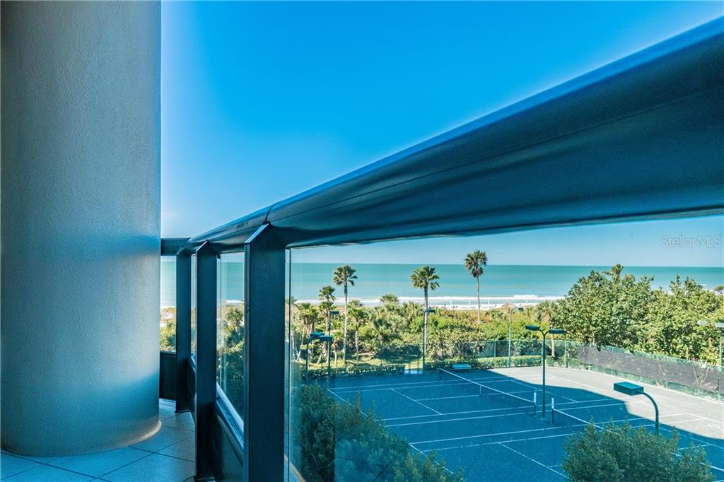 LIVING ROOM - Condo for sale at 1281 Gulf Of Mexico Dr #304, Longboat Key, FL 34228 - MLS Number is T3121789