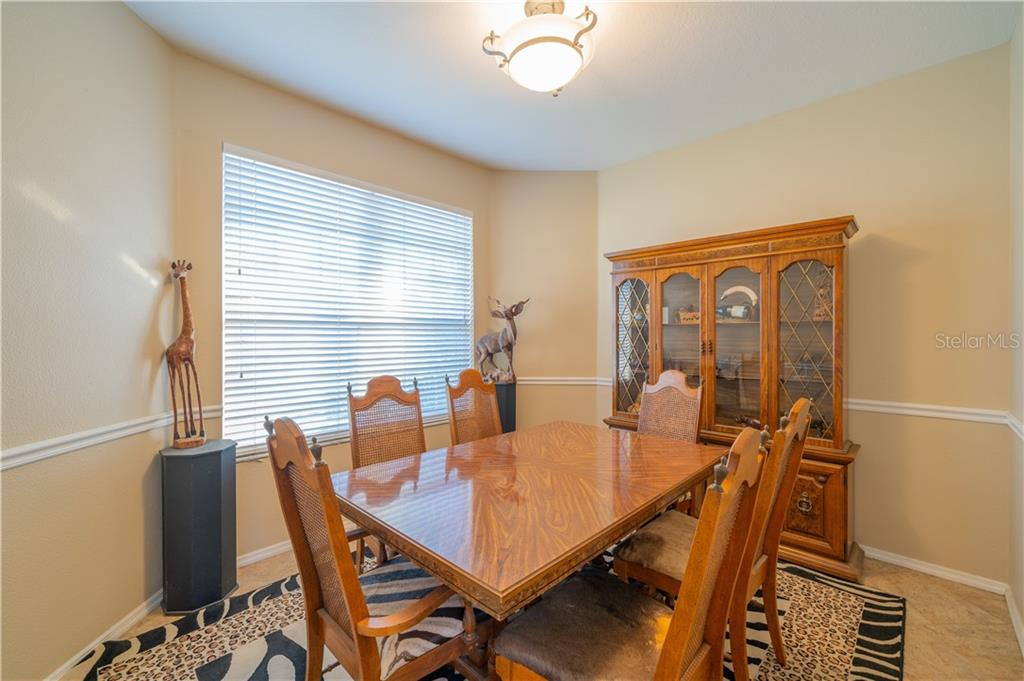 Formal dining room - Single Family Home for sale at 3811 5th Ave Ne, Bradenton, FL 34208 - MLS Number is T3164424