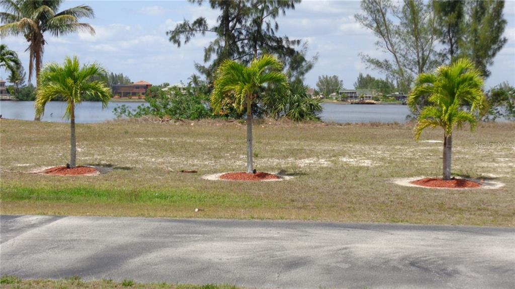 Single Family Home for sale at 4316 24th Ter, Cape Coral, FL 33993 - MLS Number is C7400220
