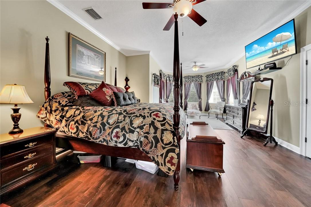 Spacious master bedroom - Single Family Home for sale at 10230 Sw County Road 769, Arcadia, FL 34269 - MLS Number is C7437596