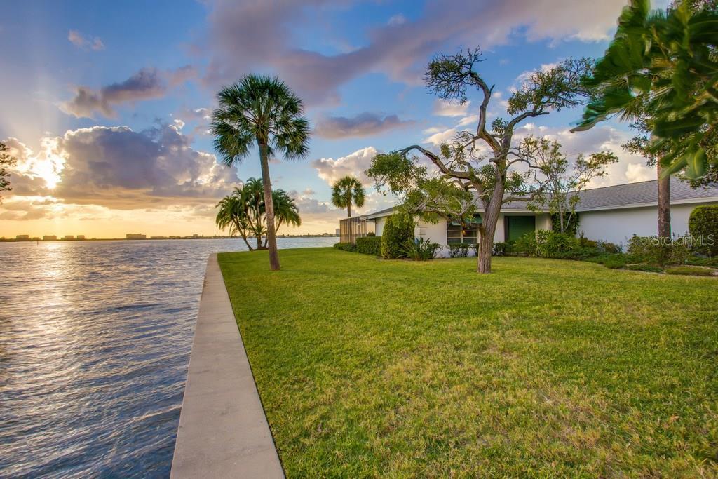 1502 Sandpiper Ln, Sarasota, FL 34239 - photo 9 of 15