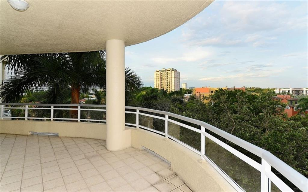Covered terrace - Condo for sale at 500 S Palm Ave #41, Sarasota, FL 34236 - MLS Number is A4144835