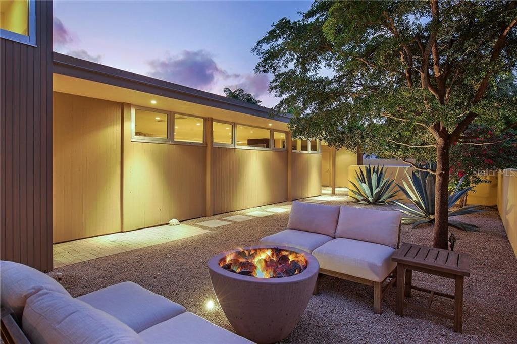 175 Morningside Dr, Sarasota, FL 34236 - photo 9 of 25