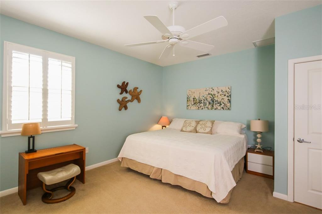 Master bedroom - Single Family Home for sale at 827 Paradise Way, Sarasota, FL 34242 - MLS Number is A4167744