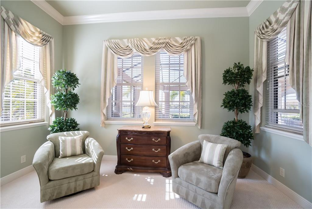 Sitting area - Single Family Home for sale at 16318 Daysailor Trl, Lakewood Ranch, FL 34202 - MLS Number is A4170081