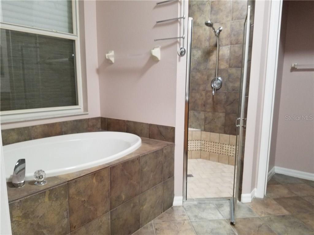 Master Bath - Single Family Home for sale at 16314 Golf Course Rd, Parrish, FL 34219 - MLS Number is A4171555