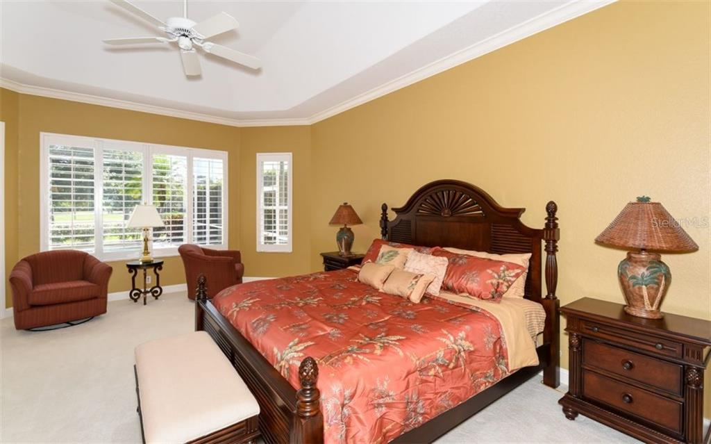 Single Family Home for sale at 490 E Macewen Dr, Osprey, FL 34229 - MLS Number is A4180723