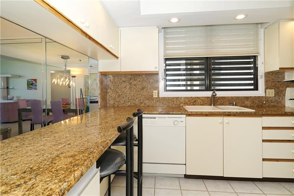 Condo for sale at 1075 Gulf Of Mexico Dr #305, Longboat Key, FL 34228 - MLS Number is A4183007
