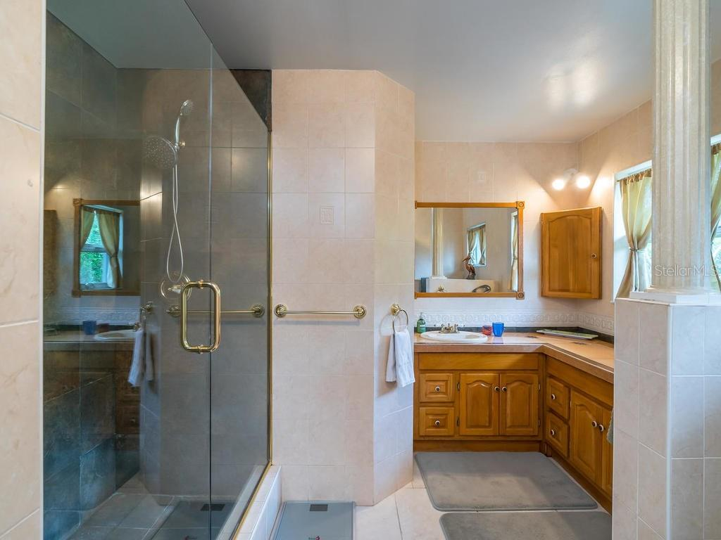 Master Bath - Single Family Home for sale at 319 Bob White Way, Sarasota, FL 34236 - MLS Number is A4184394