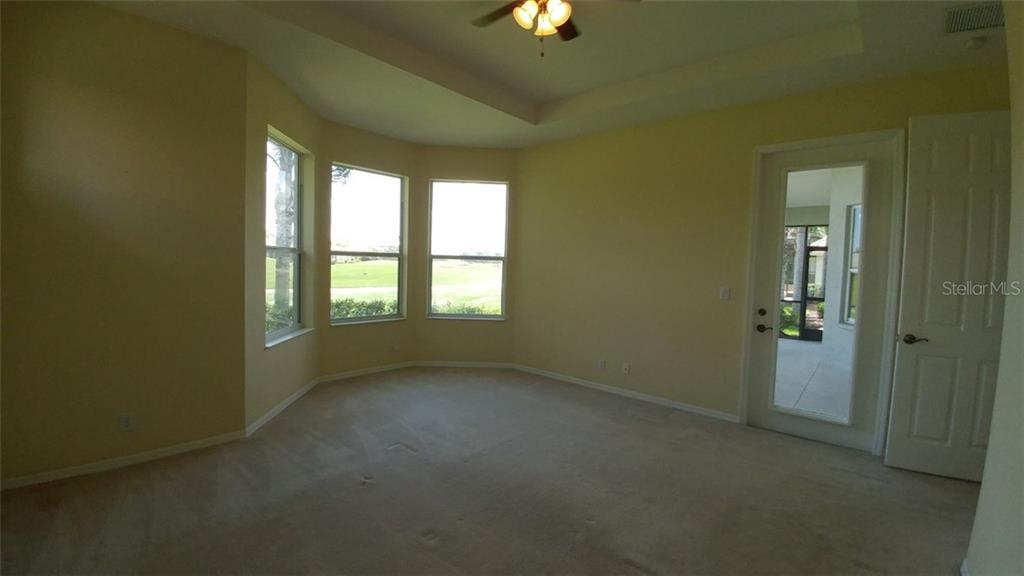 Master bedroom - Single Family Home for sale at 7111 Sandhills Pl, Lakewood Ranch, FL 34202 - MLS Number is A4185112