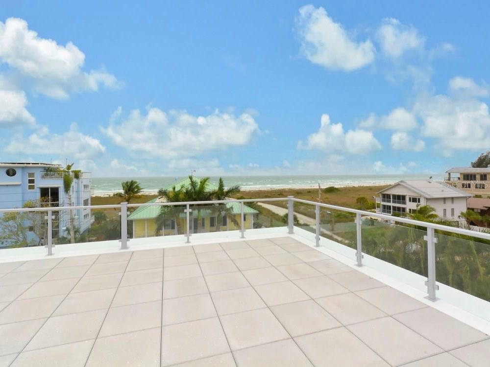 Rooftop Deck Area - Single Family Home for sale at 641 Beach Rd, Sarasota, FL 34242 - MLS Number is A4185328