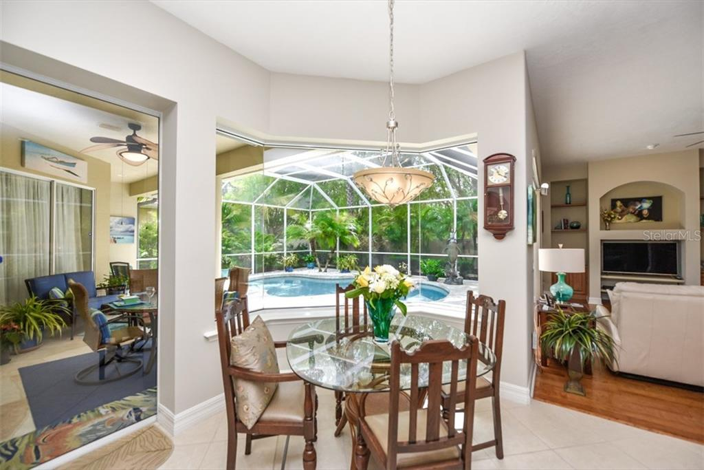 Single Family Home for sale at 7828 Crest Hammock Way, Sarasota, FL 34240 - MLS Number is A4185387