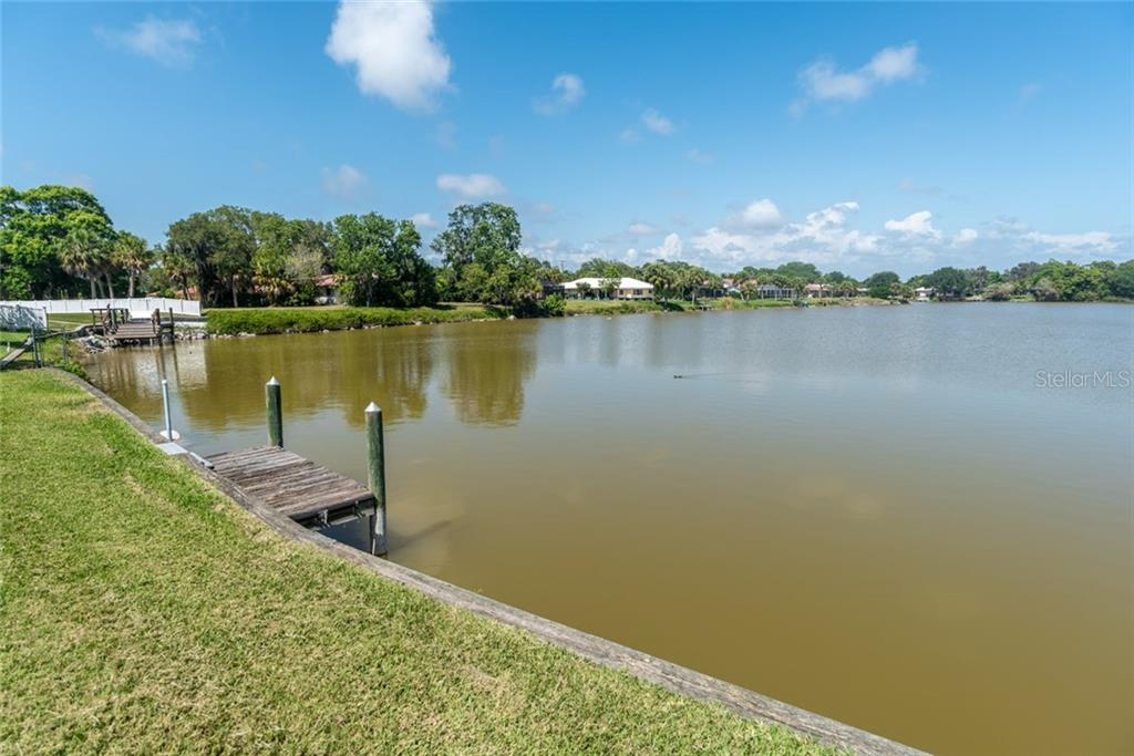 Single Family Home for sale at 2281 Lakewood Dr, Nokomis, FL 34275 - MLS Number is A4187486