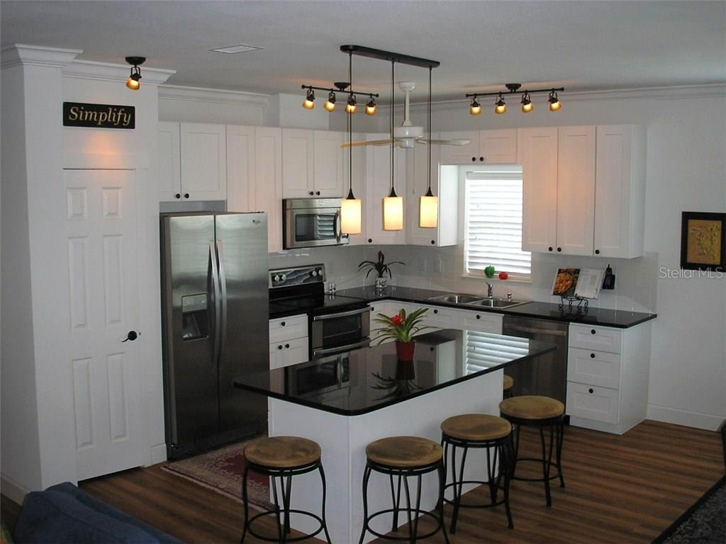 KITCHEN  ISLAND & STOOLS - Single Family Home for sale at 591 Cedar St, Longboat Key, FL 34228 - MLS Number is A4187813