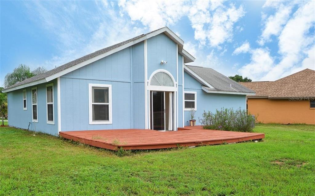 Single Family Home for sale at 5090 Houle Pl, Sarasota, FL 34232 - MLS Number is A4188617