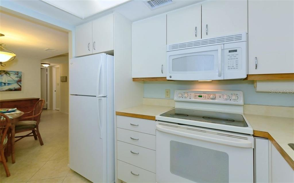 Kitchen - Condo for sale at 6300 Midnight Pass Rd #806, Sarasota, FL 34242 - MLS Number is A4189340
