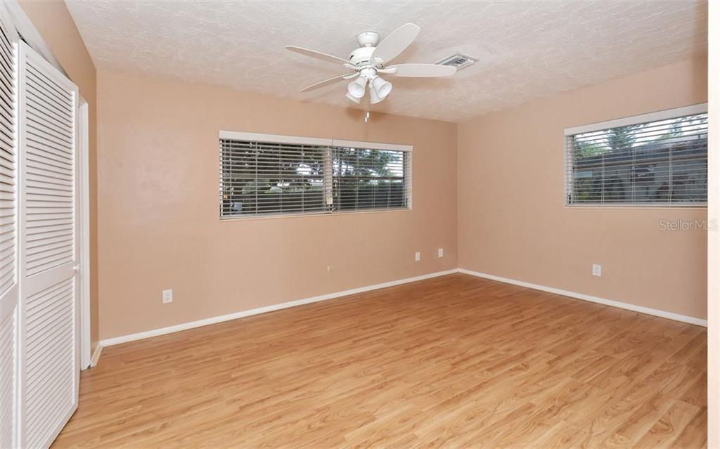 Single Family Home for sale at 3011 Bougainvillea St, Sarasota, FL 34239 - MLS Number is A4192406