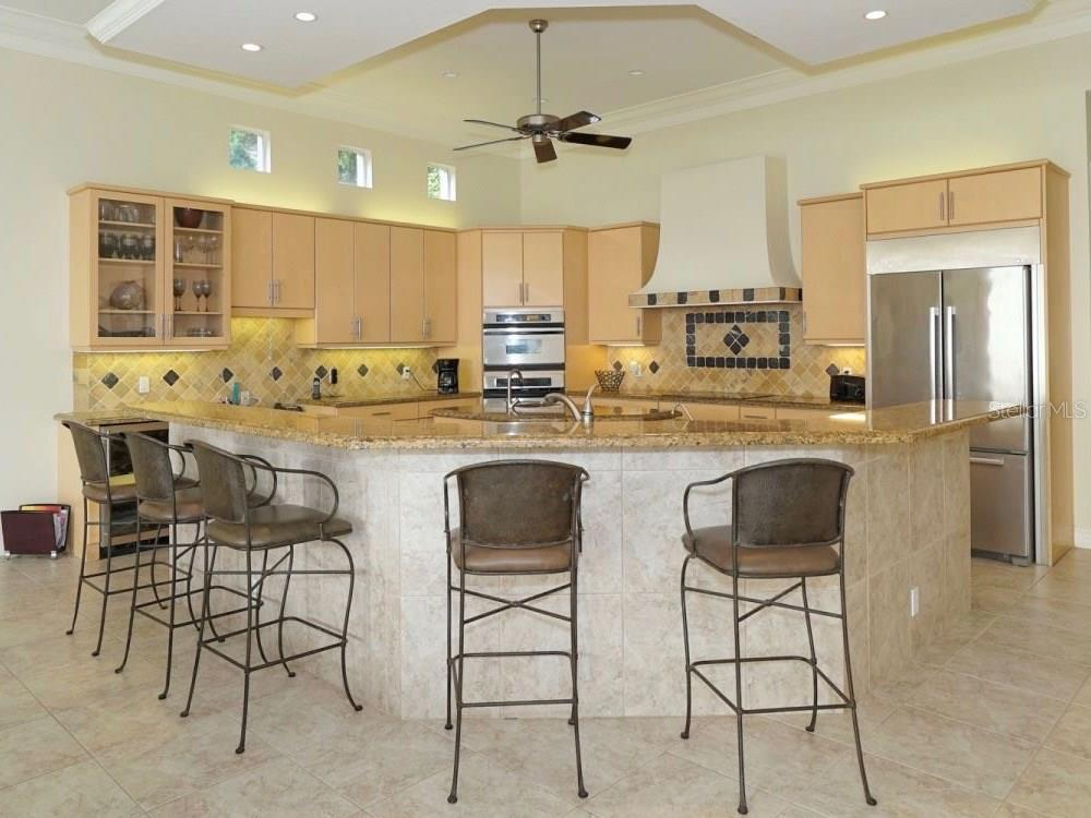 Single Family Home for sale at 8233 Midnight Pass Rd, Sarasota, FL 34242 - MLS Number is A4198436