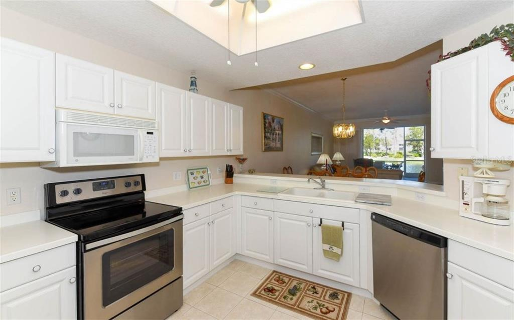 A Chefs Dream Offering Lots of Cabinet Space and Storage - Condo for sale at 5280 Hyland Hills Ave #1814, Sarasota, FL 34241 - MLS Number is A4202373