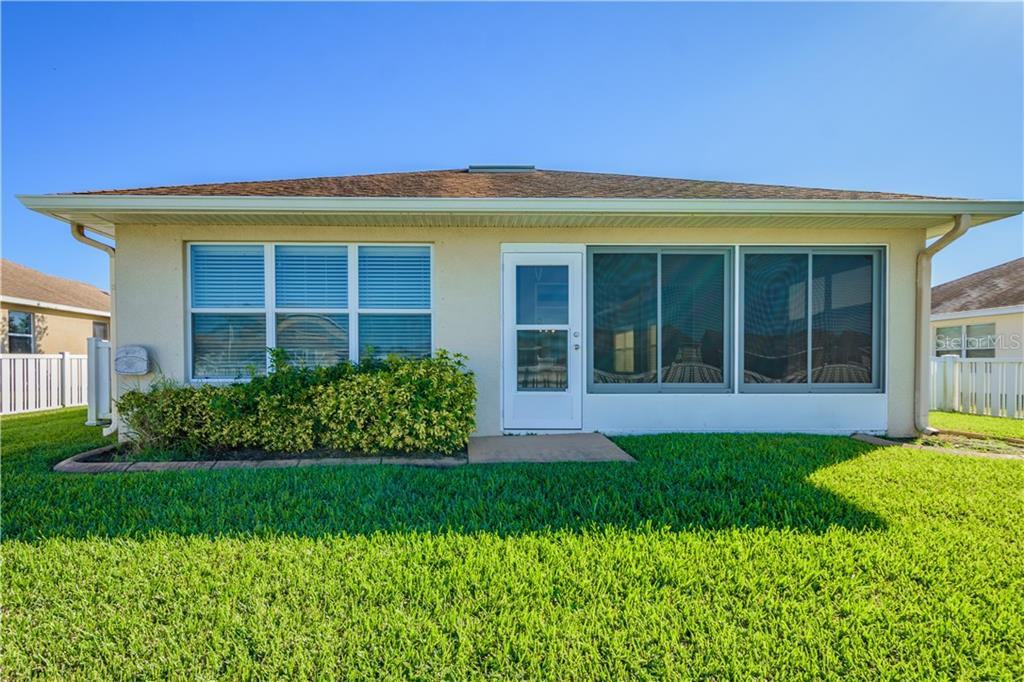 Single Family Home for sale at 7111 56th Ter E, Palmetto, FL 34221 - MLS Number is A4203729