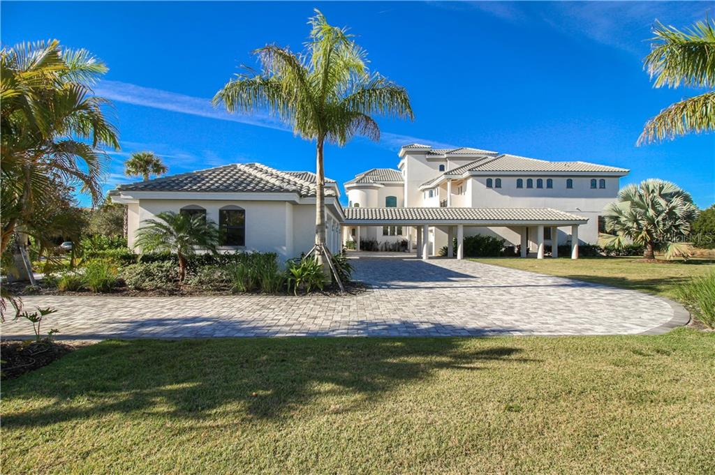 Single Family Home for sale at 19307 Ganton Ave, Bradenton, FL 34202 - MLS Number is A4206130