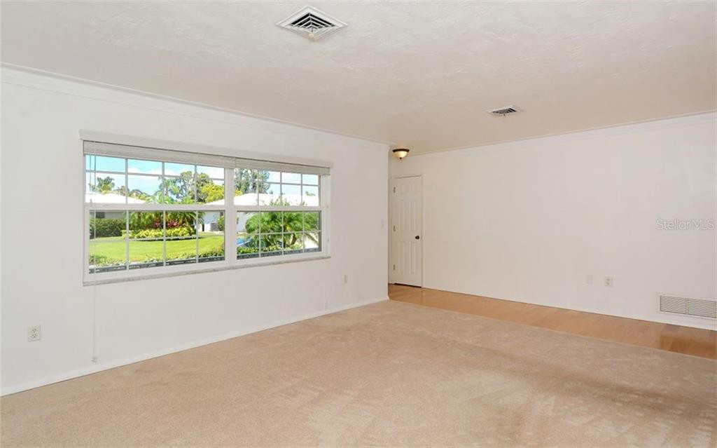 Single Family Home for sale at 3312 Spring Mill Cir, Sarasota, FL 34239 - MLS Number is A4207270