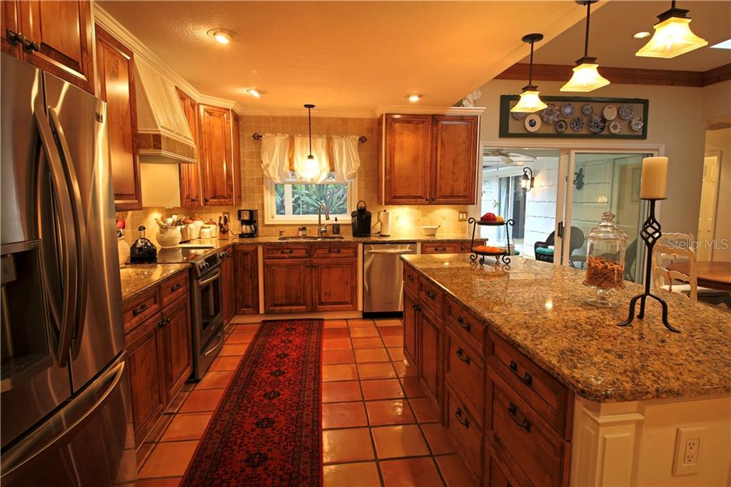 Single Family Home for sale at 4887 Peregrine Point Cir E, Sarasota, FL 34231 - MLS Number is A4208763