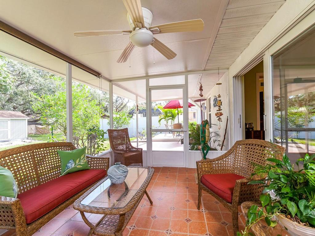 Screened Lanai - Single Family Home for sale at 411 Lyons Bay Rd, Nokomis, FL 34275 - MLS Number is A4209146