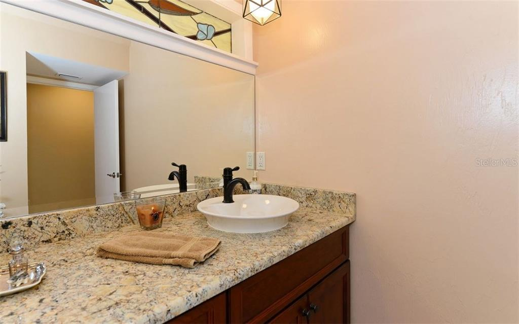 Updated Bathroom - Single Family Home for sale at 5122 Willow Leaf Dr, Sarasota, FL 34241 - MLS Number is A4209555