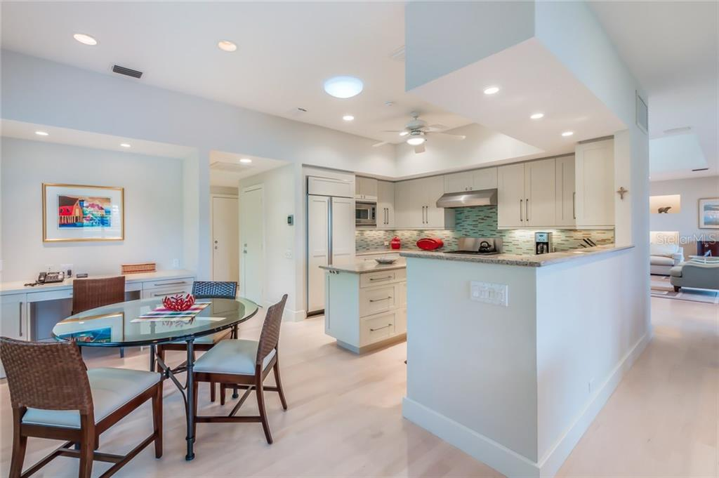Single Family Home for sale at 3328 Sabal Cove Ln, Longboat Key, FL 34228 - MLS Number is A4210154
