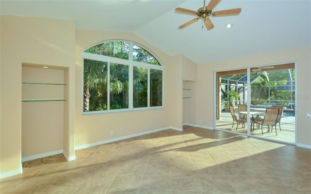 Single Family Home for sale at 10163 Cherry Hills Avenue Cir, Bradenton, FL 34202 - MLS Number is A4213391