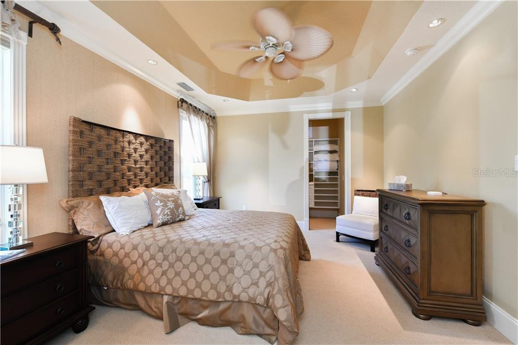 Guest Bedroom - Single Family Home for sale at 506 Venice Ln, Sarasota, FL 34242 - MLS Number is A4402493
