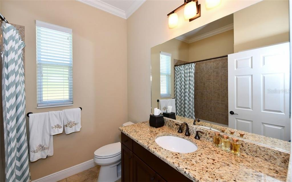 Bedroom 2 - Single Family Home for sale at 533 Mast Dr, Bradenton, FL 34208 - MLS Number is A4402963