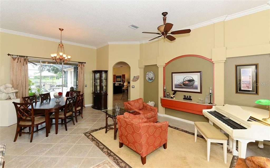 Single Family Home for sale at 10506 Cypress Point Dr, Bradenton, FL 34202 - MLS Number is A4403342