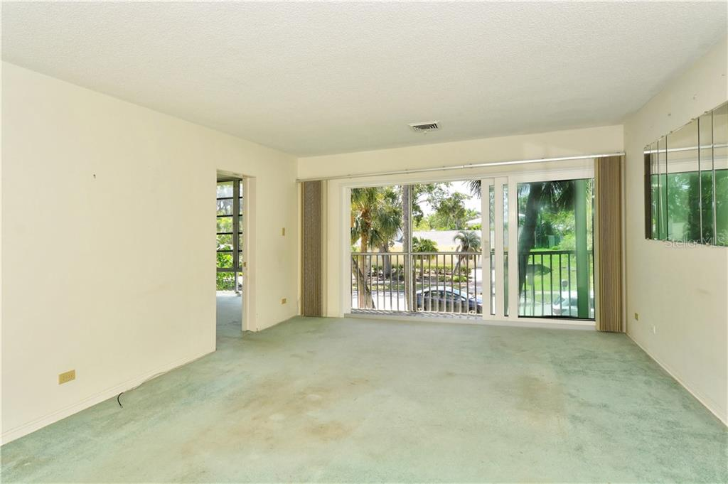 Living room - Condo for sale at 500 S Washington Dr #3b, Sarasota, FL 34236 - MLS Number is A4403390