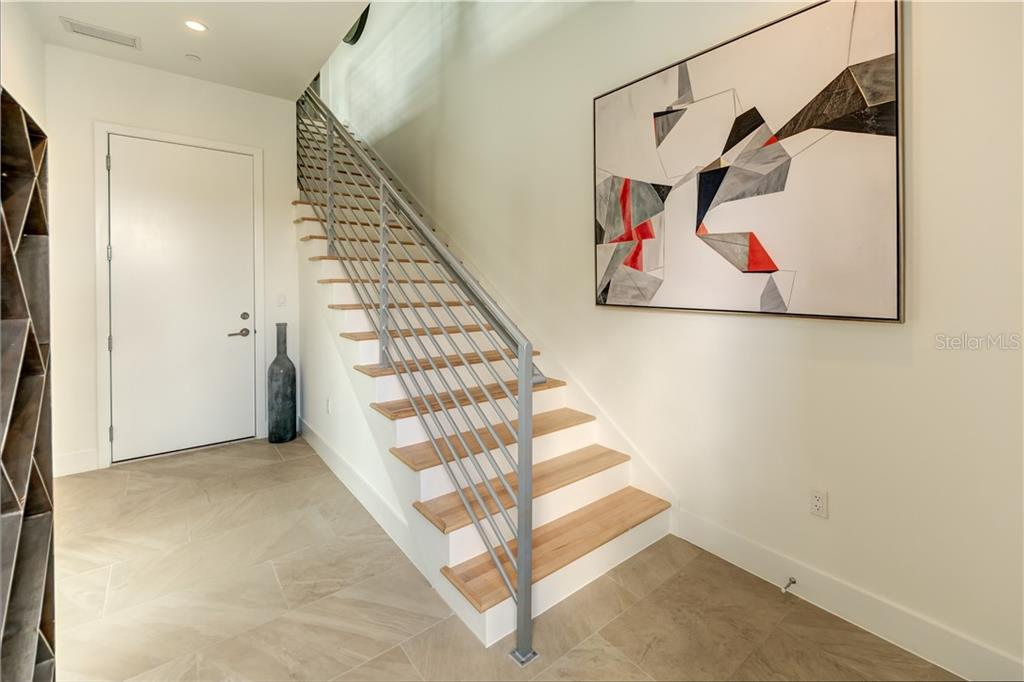 Foyer - Townhouse for sale at 632 S Rawls Ave, Sarasota, FL 34236 - MLS Number is A4404361