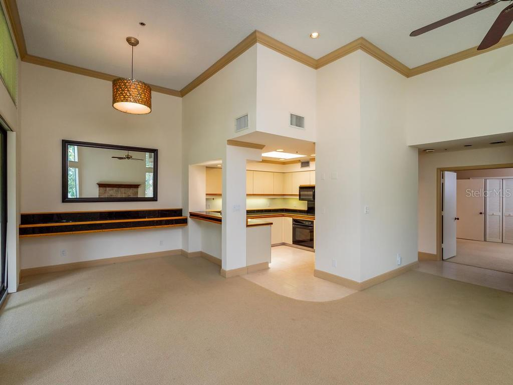 Dining room - Condo for sale at 1912 Harbourside Dr #604, Longboat Key, FL 34228 - MLS Number is A4407777