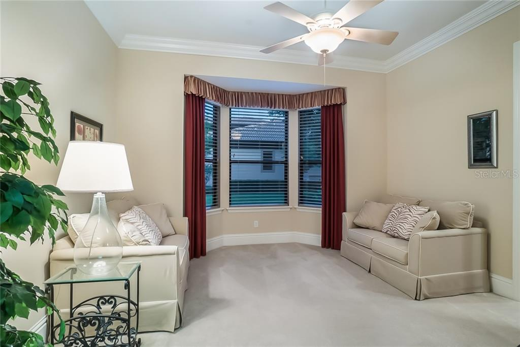 Guest Bedroom (4) with a walk-in closet. A Jack & Jill bathroom adjoins. - Single Family Home for sale at 13223 Palmers Creek Ter, Lakewood Ranch, FL 34202 - MLS Number is A4408290