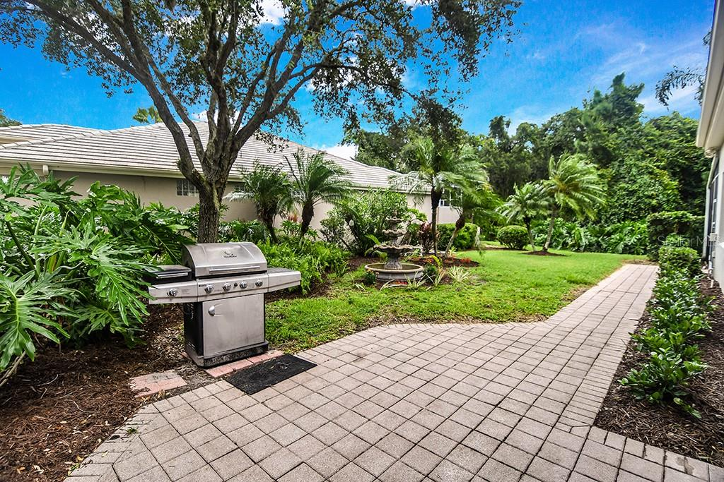 Single Family Home for sale at 8727 51st Ter E, Bradenton, FL 34211 - MLS Number is A4408866