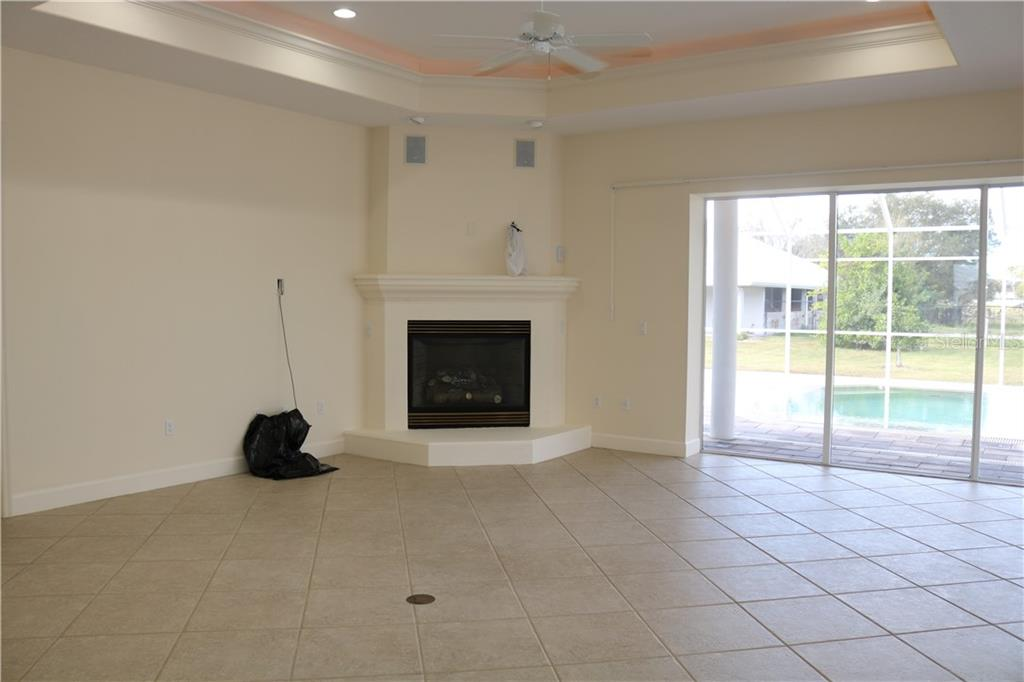 Single Family Home for sale at 7931 Lorraine Rd (fka Bee Ridge Rd Ext), Sarasota, FL 34241 - MLS Number is A4410072