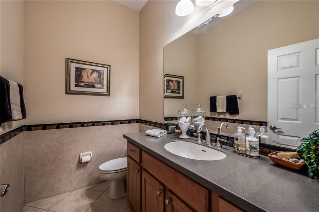 Bathroom 3 - Single Family Home for sale at 5114 Lake Overlook Ave, Bradenton, FL 34208 - MLS Number is A4412194