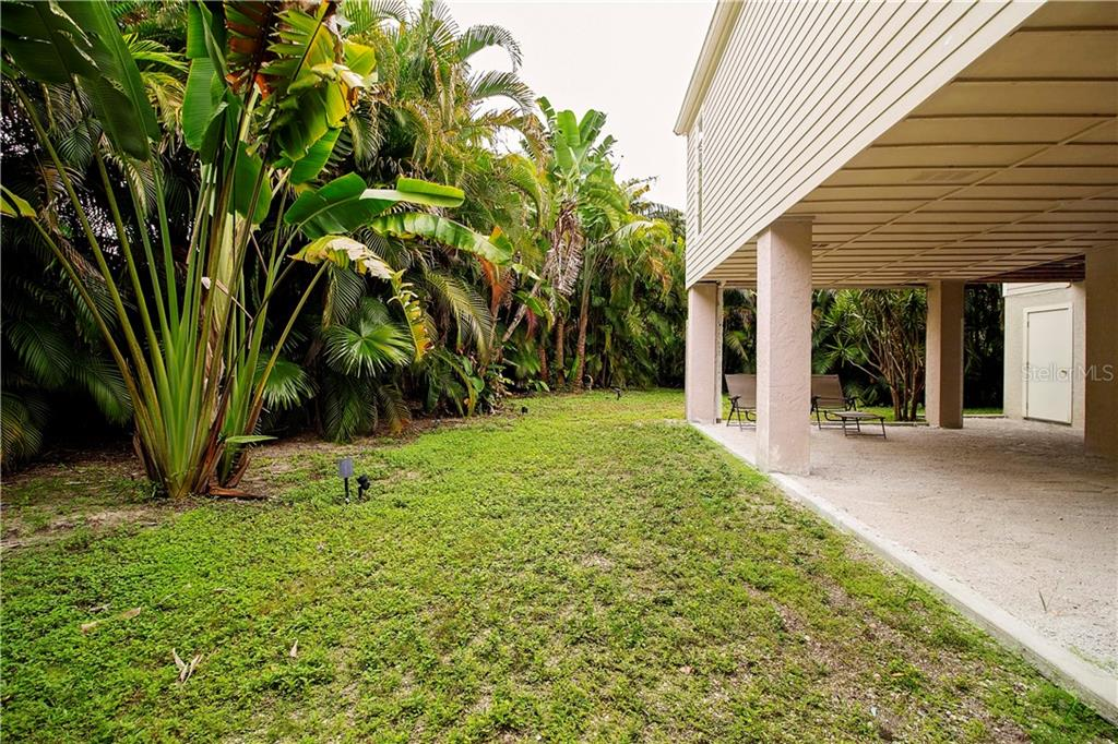 Private Back Yard - Single Family Home for sale at 1205 Sea Plume Way, Sarasota, FL 34242 - MLS Number is A4414083